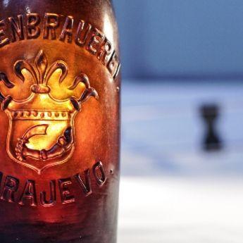 """More otkrilo tajnu: Bosanski grb na 100 godina staroj flaši """"Sarajevskog piva"""""""