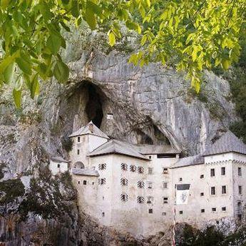 Turistički biser Slovenije: Zamak Predjama - lepota koja pleni