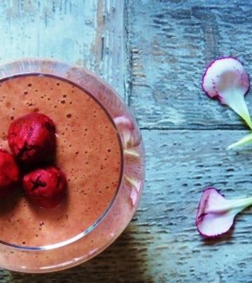 Obrok u čaši: Kremasti šejk od višnje (FOTO)