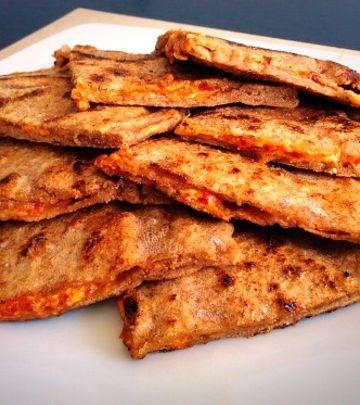 FOTO-RECEPT: Indijski hleb sa fetom i ajvarom
