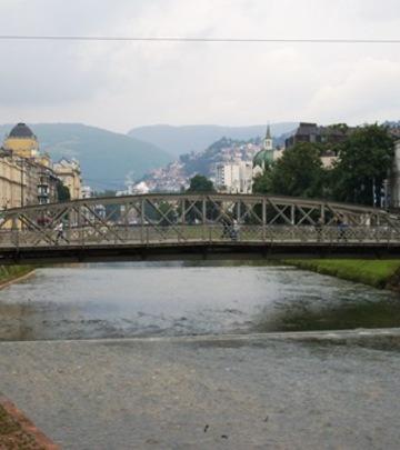 Sarajevo: Ajfelov most svira kao orkestar!