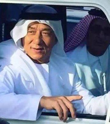 VIDEO DANA: Džeki Čen kao Emiraćanin!