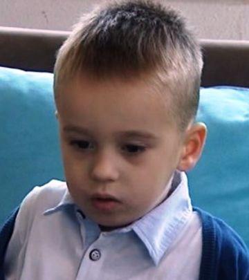 Crna Gora: Edin (4) piše, čita i govori engleski (VIDEO)