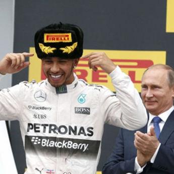 Putin se poklonio Hamiltonu (VIDEO)