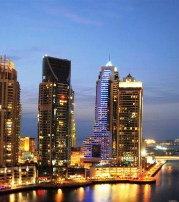 Od Dubaija do Abu Dabija za 15 minuta!