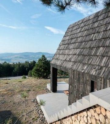 FOTO PRIČA: Preoblikovanje srpske tradicionalne brvnare