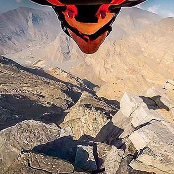 Dubai: Ekstremni let uz pomoć wingsuita (360 VIDEO)