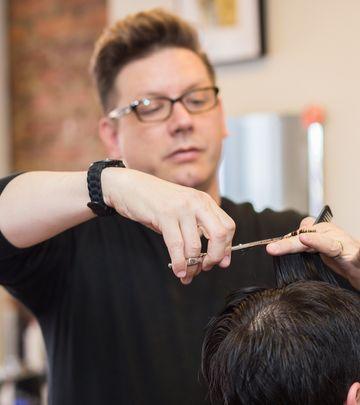 Oglas: Potrebni muški frizeri za muški frizerski salon