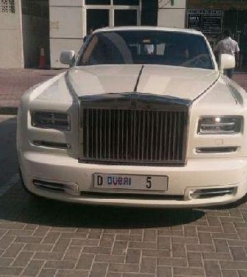 Bez protekcije: Milijarder kažnjen zbog pogrešnog parkiranja