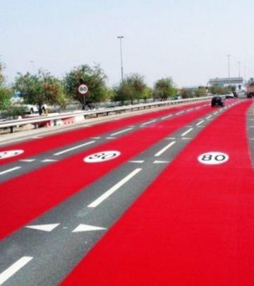 Zašto su putevi u Dubaiju pocrveneli?