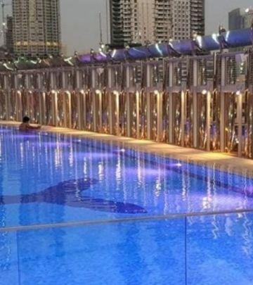 Brčkanje na bazenu u Burdž Kalifi za samo 50 AED!