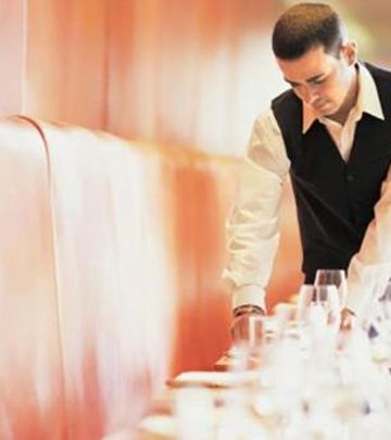 Oglas: Zaposlite se u restoranu u Abu Dabiju