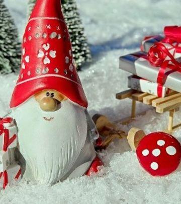 Deda Mraz u pustinji ispunjava želje! (FOTO+VIDEO)
