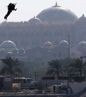 FOTO DANA: Filmska scena – DŽETMEN u Abu Dabiju!