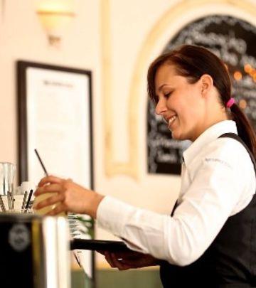 Oglas: Potrebni konobari i konobarice u Dubaiju