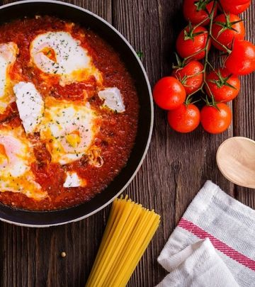 Specijalitet arapske kuhinje: Mućkalica sa povrćem i jajima